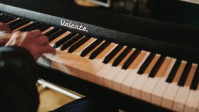 Valente Electric Piano Demo (No Reverb, Piano Only) with Fabio Fonseca
