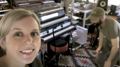 pomplamoose freaking on the valente electric piano